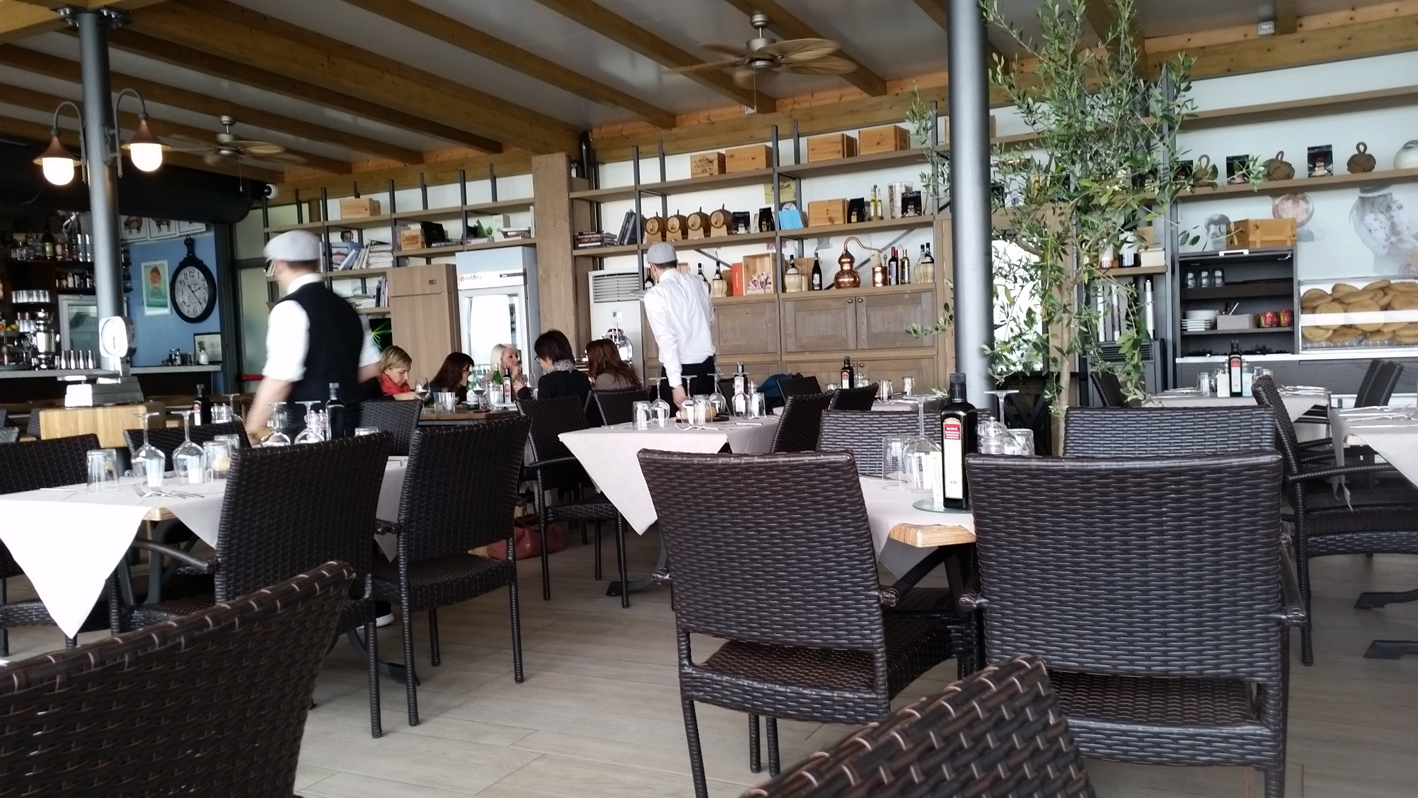 most restaurants in the pretty towns and villages in lake garda are quite traditional in their style so it was lovely to experience something a little